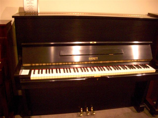 Ebony EVERETT Studio Piano