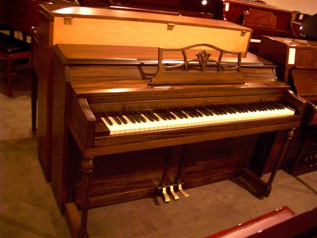 Re-exposure of Mahogany MEHLIN Spinet (2)